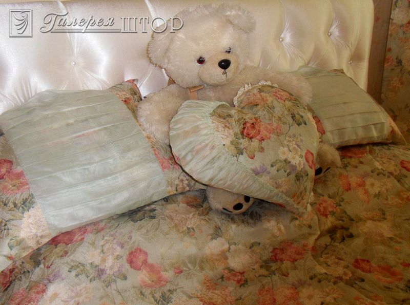 Подушки декоративные для детской комнаты