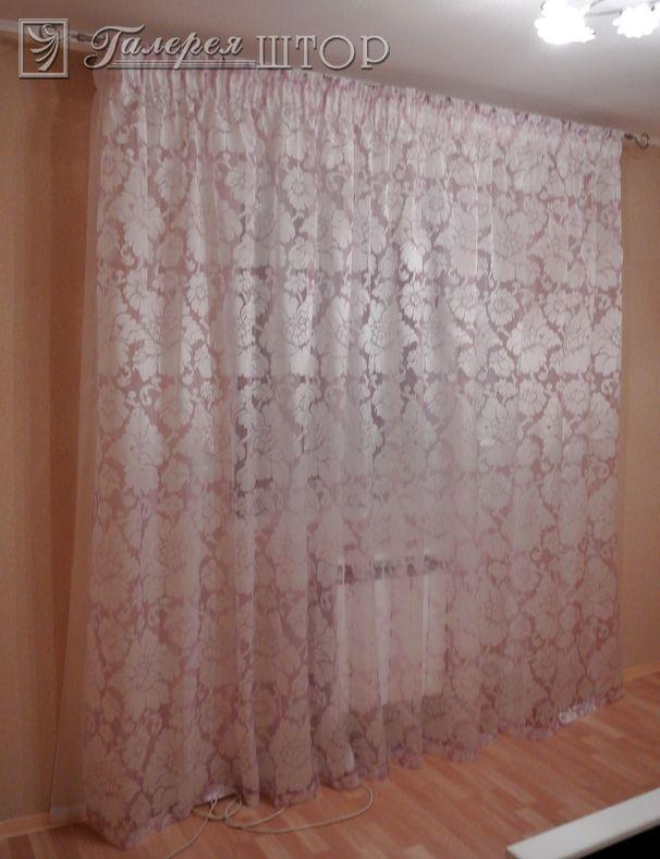 Тюль с вышивкой фото на окне
